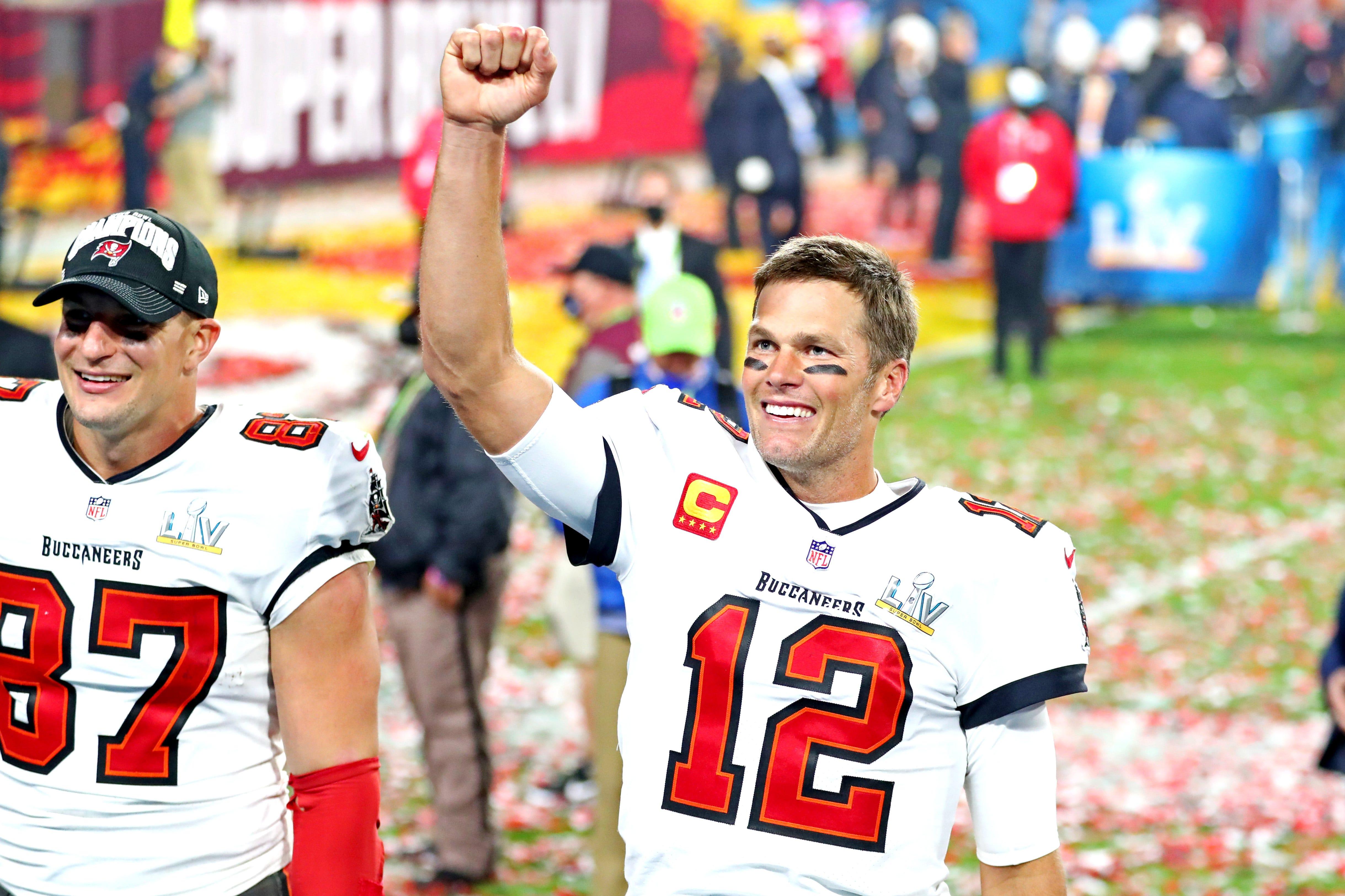 Bucs QB Tom Brady admits he was 'confused' on fourth-down blunder in Chicago