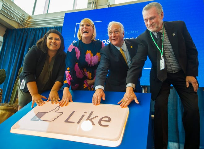 Ana Martinez, head of policy and community engagement for Texas, Facebook Austin leader Katherine Shappley, former Texas state Sen. Kirk Watson and President/CEO of Austin Community College, Richard Rhodes, participated in Facebook's grand opening ceremony in downtown Austin in 2019.