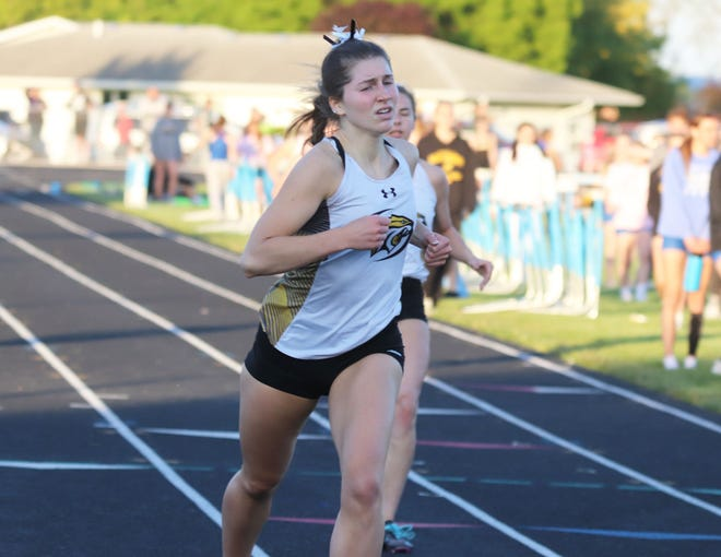 New London's Aliyah Christenson won the girls 400 meter dash to qualify for next week's Class 1A state track meet.