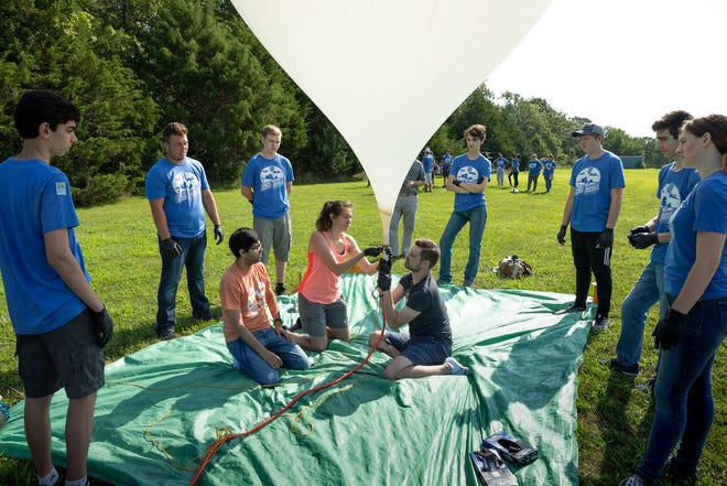 Missouri S&T's 2019 Space – the Final Frontier campers launch a high-altitude balloon. Photo by Tom Wagner, Missouri S&T