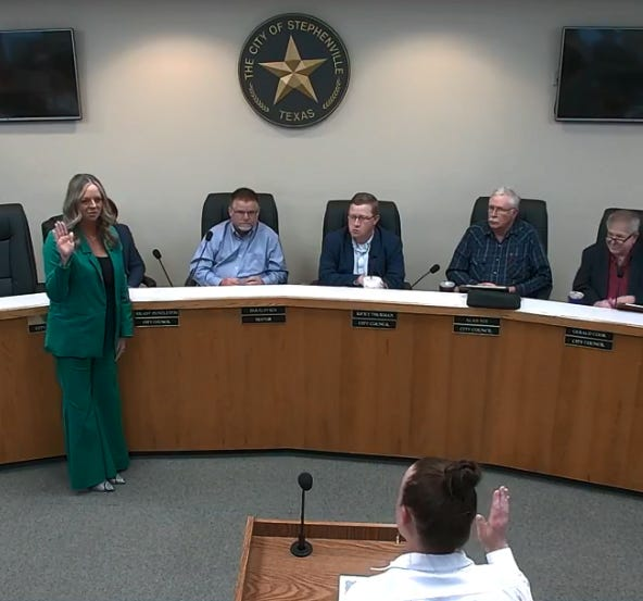 New Place 1 Stephenville City Councilwoman LeAnn Durfey is sworn in by City Secretary Staci King during Tuesday's meeting.