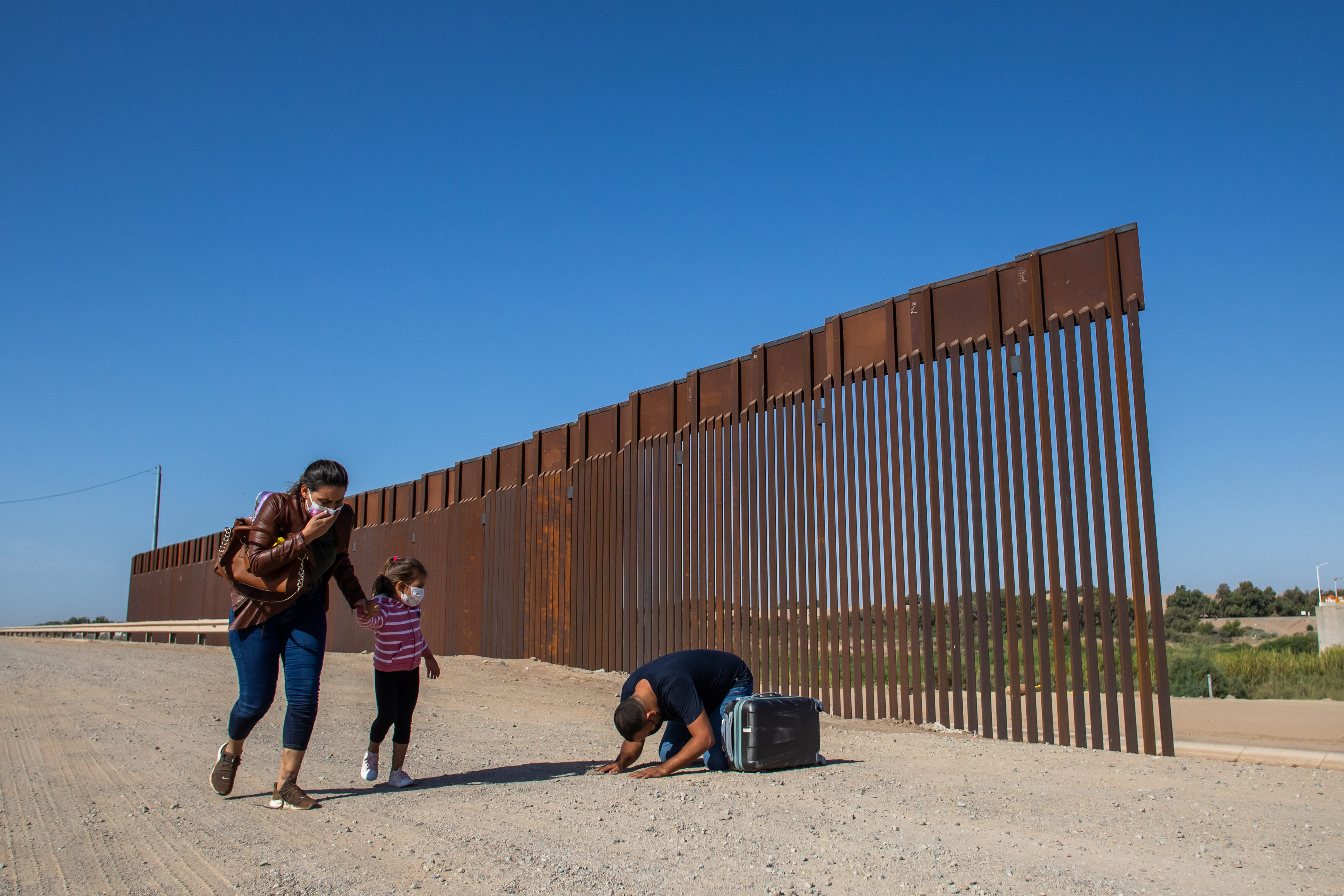 Attorney: US makes concessions to ease asylum restrictions 2