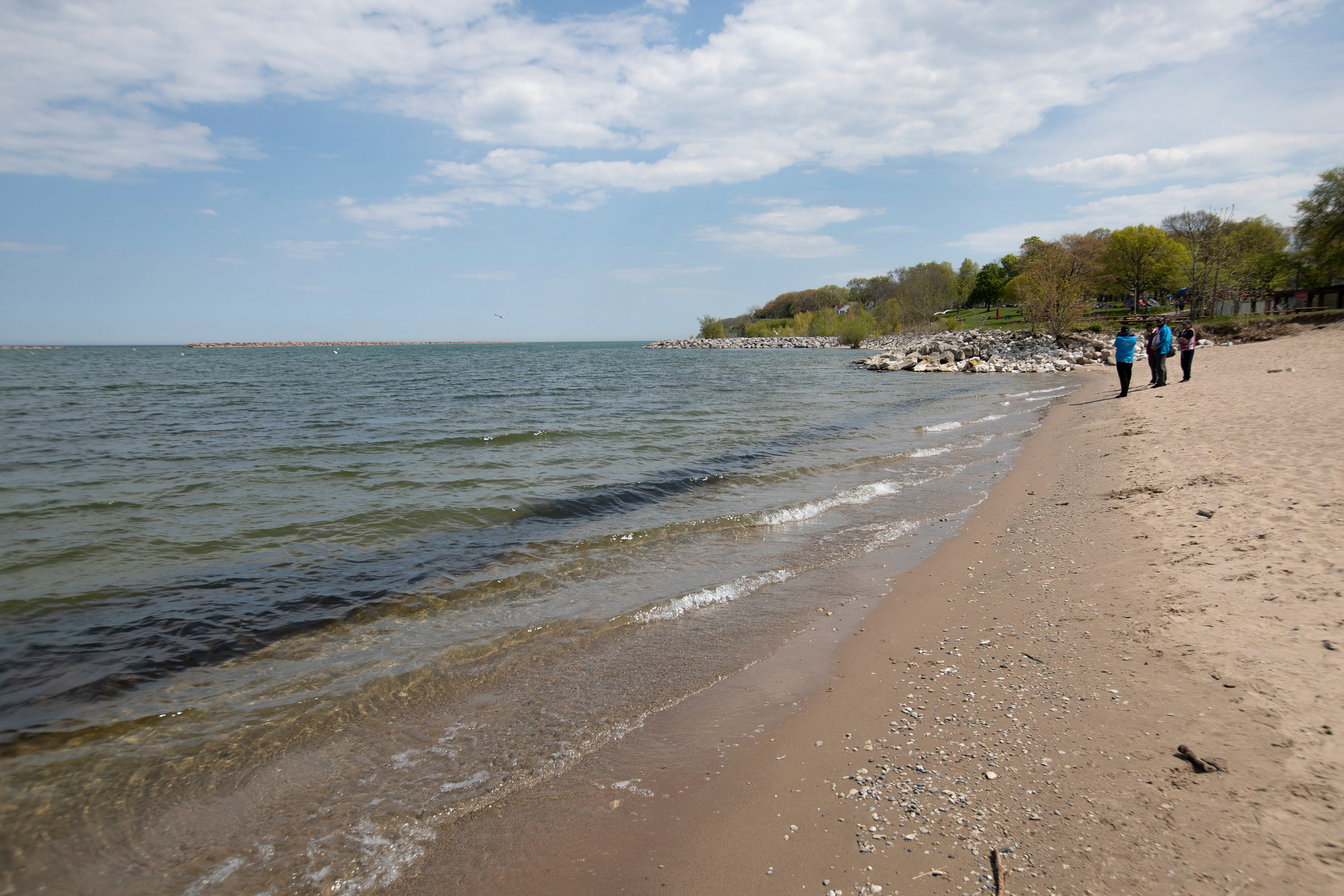 Water levels drop in Great Lakes after record-breaking highs in 2020
