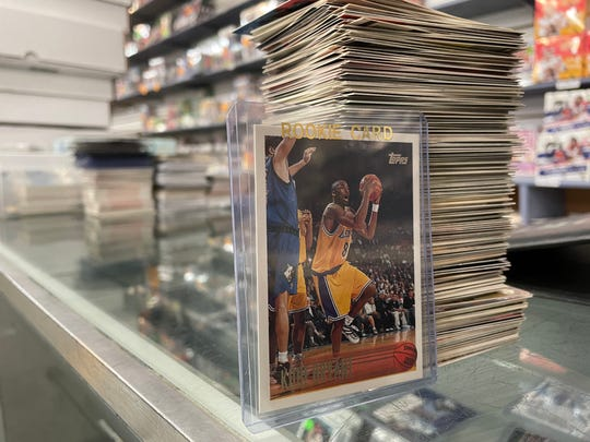Rarer Kobe Bryant cards like this Topps can cost over $ 200. Comics, cards and rainbow collectibles.