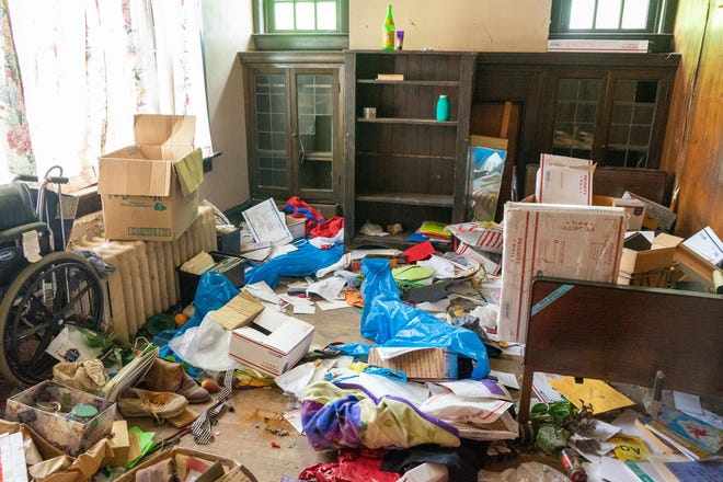 When Miranda Thomas' mom died, her children begged her to leaver her bedroom the way it was. This is how her room looks today after Joseph Hodge, Nikki Eblin and other trespassers vandelized the house.