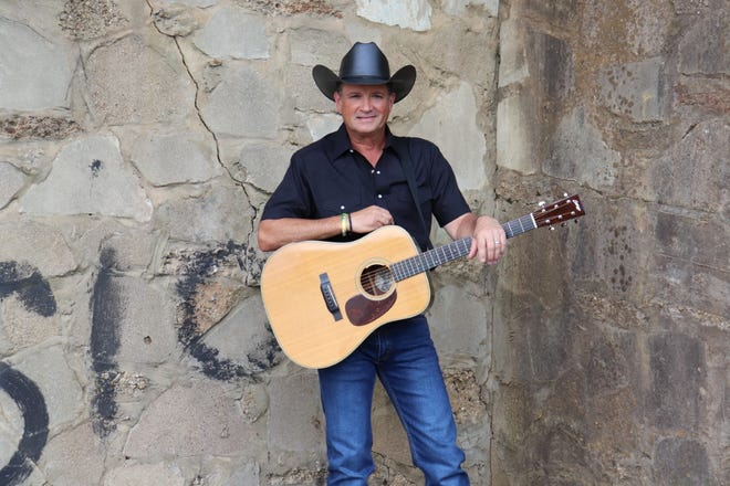 Country music legend Tracy Byrd to sing at Christmas in Ida - Monroe Evening News