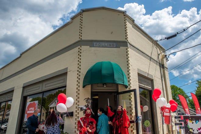 156 High St. Little Indonesia Cultural Center di Somersworth merayakan grand openingnya pada Sabtu 15 Mei 2021.  Pasar malam kecil Indonesia akan diadakan pada hari Sabtu, 19 Juni dari jam 3 sampai jam 9 malam.