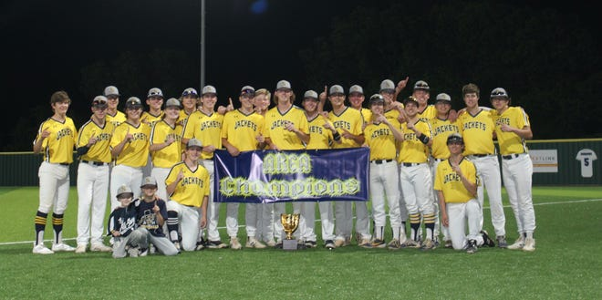 The Stephenville Yellow Jackets won the Area Championship with a 6-1 Game 2 win over the Decatur Eagles on Friday evening.