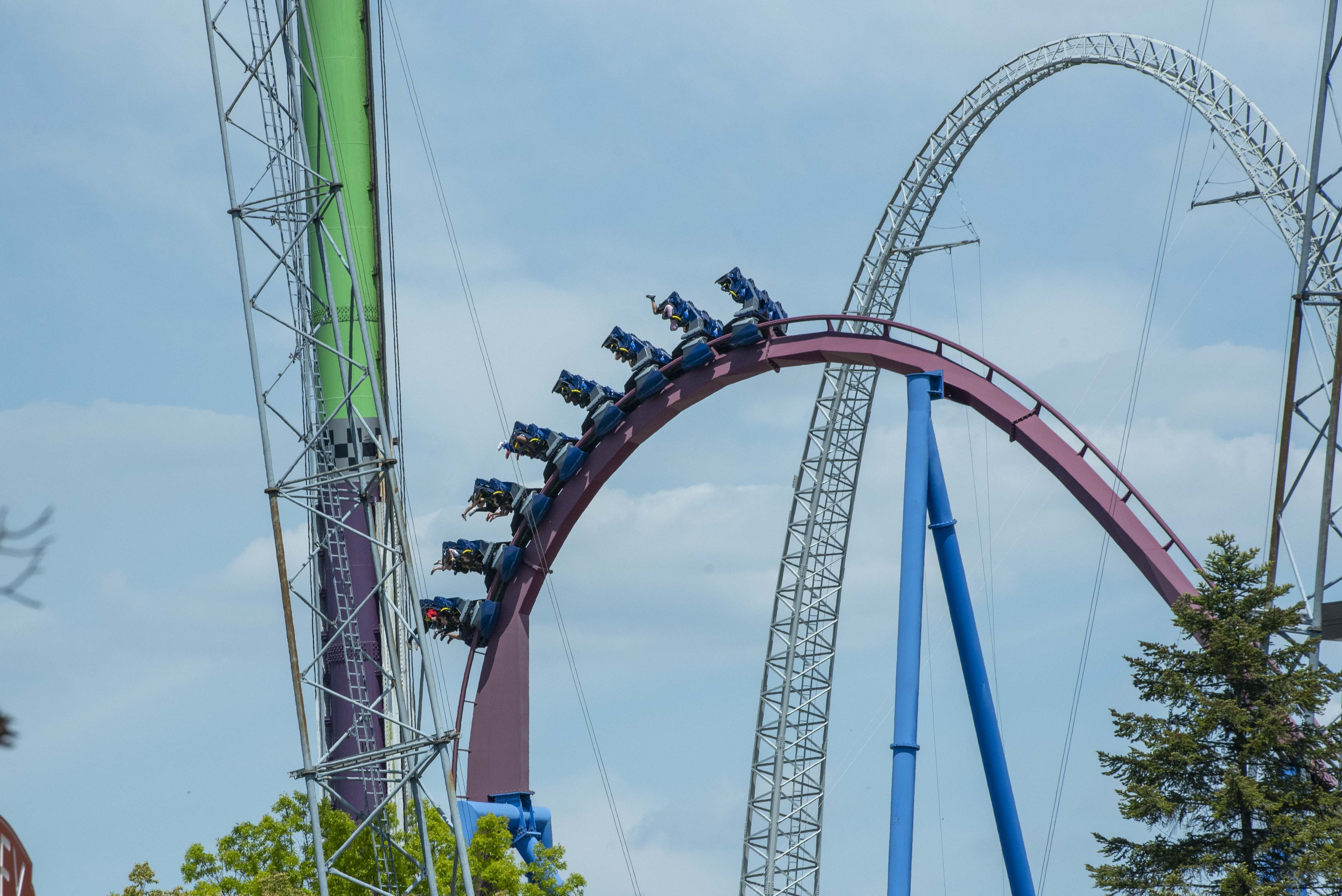 It felt rough : Fights and unruly guests prompt early closing of Kings Island Saturday