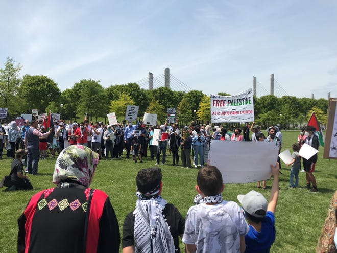 Over a hundred people gathered at Big Four Lawn Saturday to commemorate Nakba and protest the military occupation of Palestine.