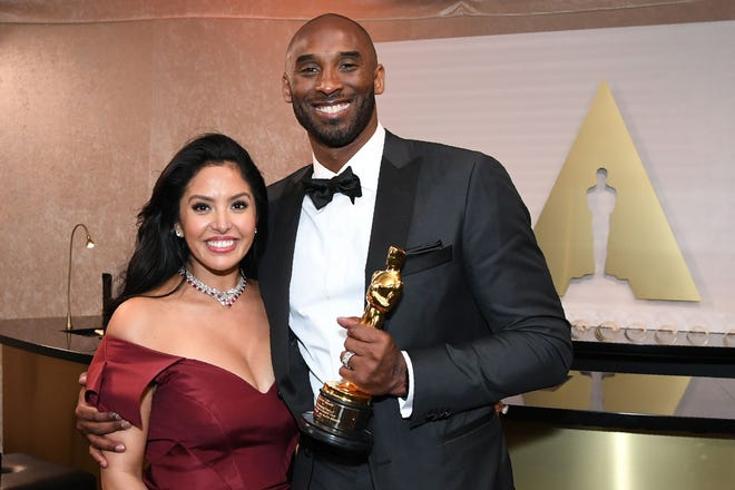 Kobe Bryant and his wife Vanessa smiled after winning the Oscar in 2018 for his basketball short film,