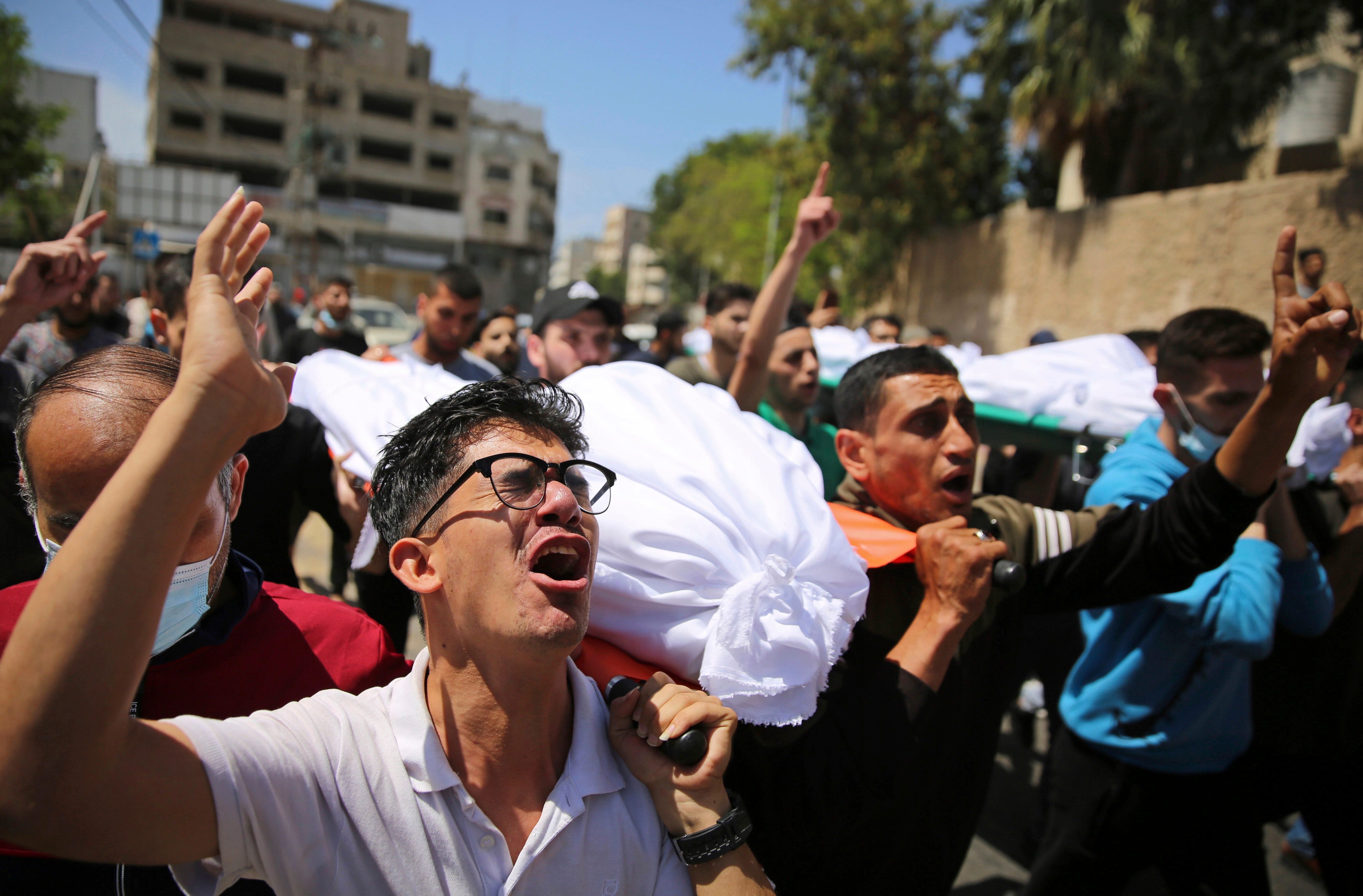 Israeli warplanes stage more heavy strikes across Gaza City 2