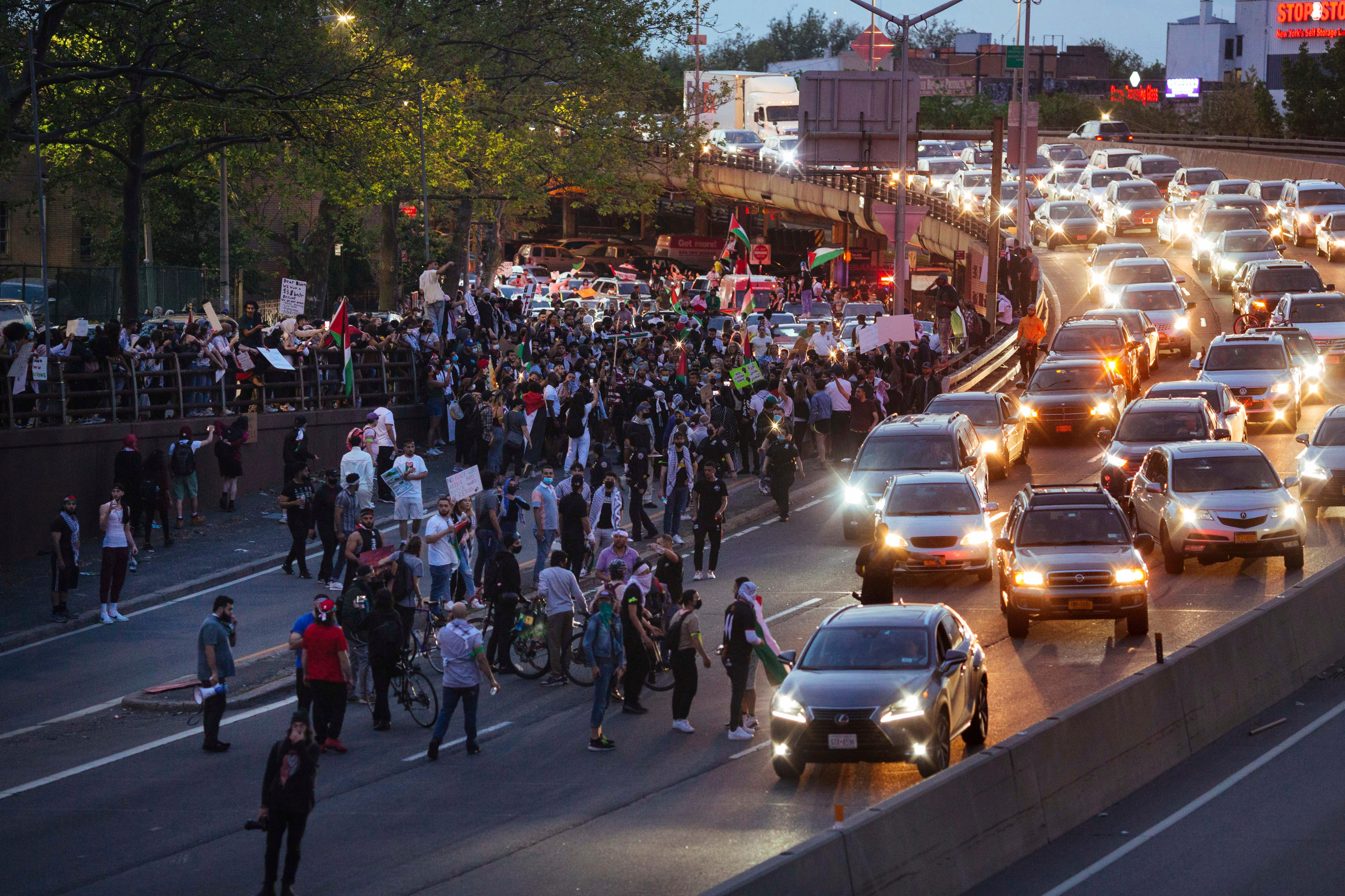 Protesters in major US cities decry airstrikes over Gaza 2