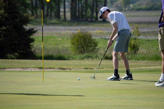 Corbyn Beach, Senior golf athlete for Hillsdale High School