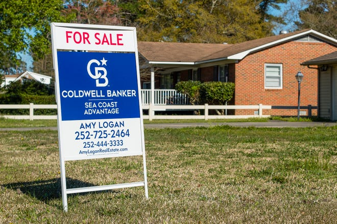 Cutline: Communication with neighbors is important when selling your home. Offering to help with minor repairs or clean up a neighbor's property can go a long way in maintaining good relationships as well as mutual property values.