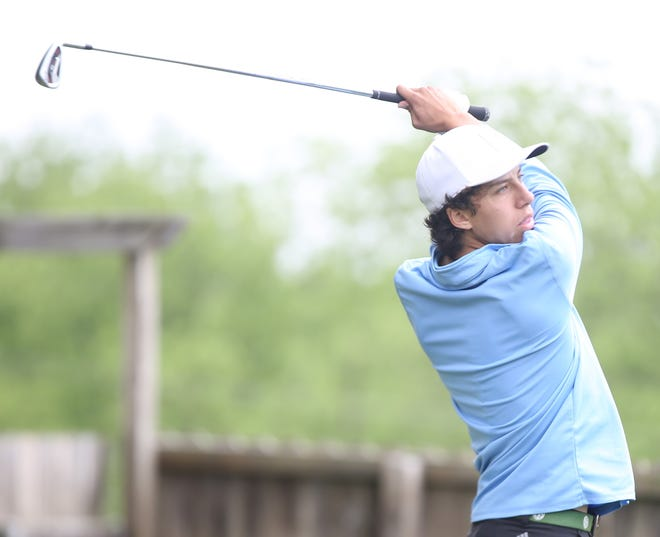Shawnee Heights' Alex Valdivia matched his season-best round at Monday's Class 5A regional meet at Cypress Ridge Golf Course, shooting a 1-under 70 to win the regional title by two shots.