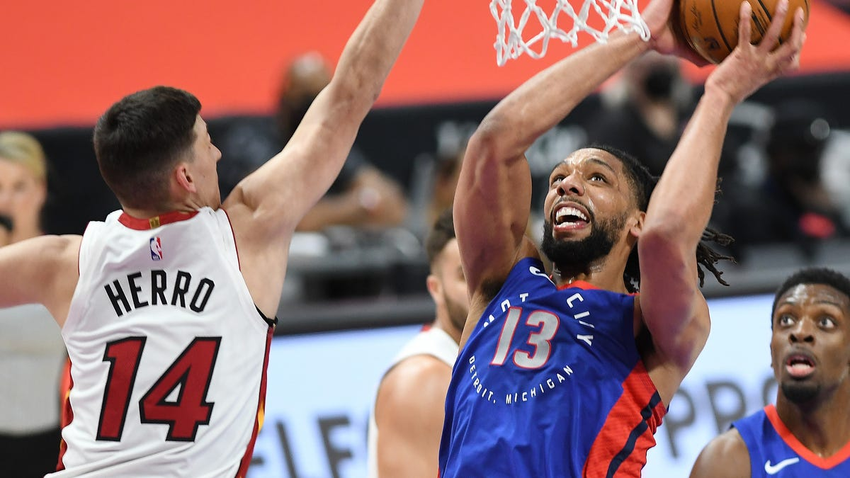 Pistons scorched by Heat in finale, finish with second-worst record at 20-52 1