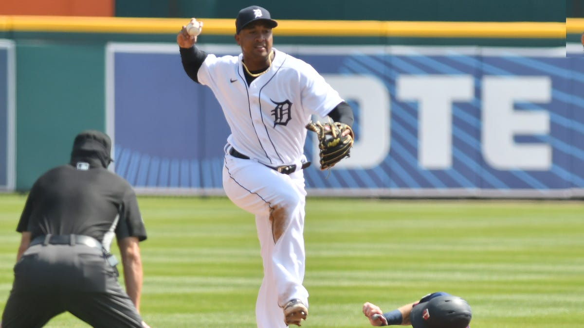 Tigers' inability to convert double-play chances becoming fatal flaw 1
