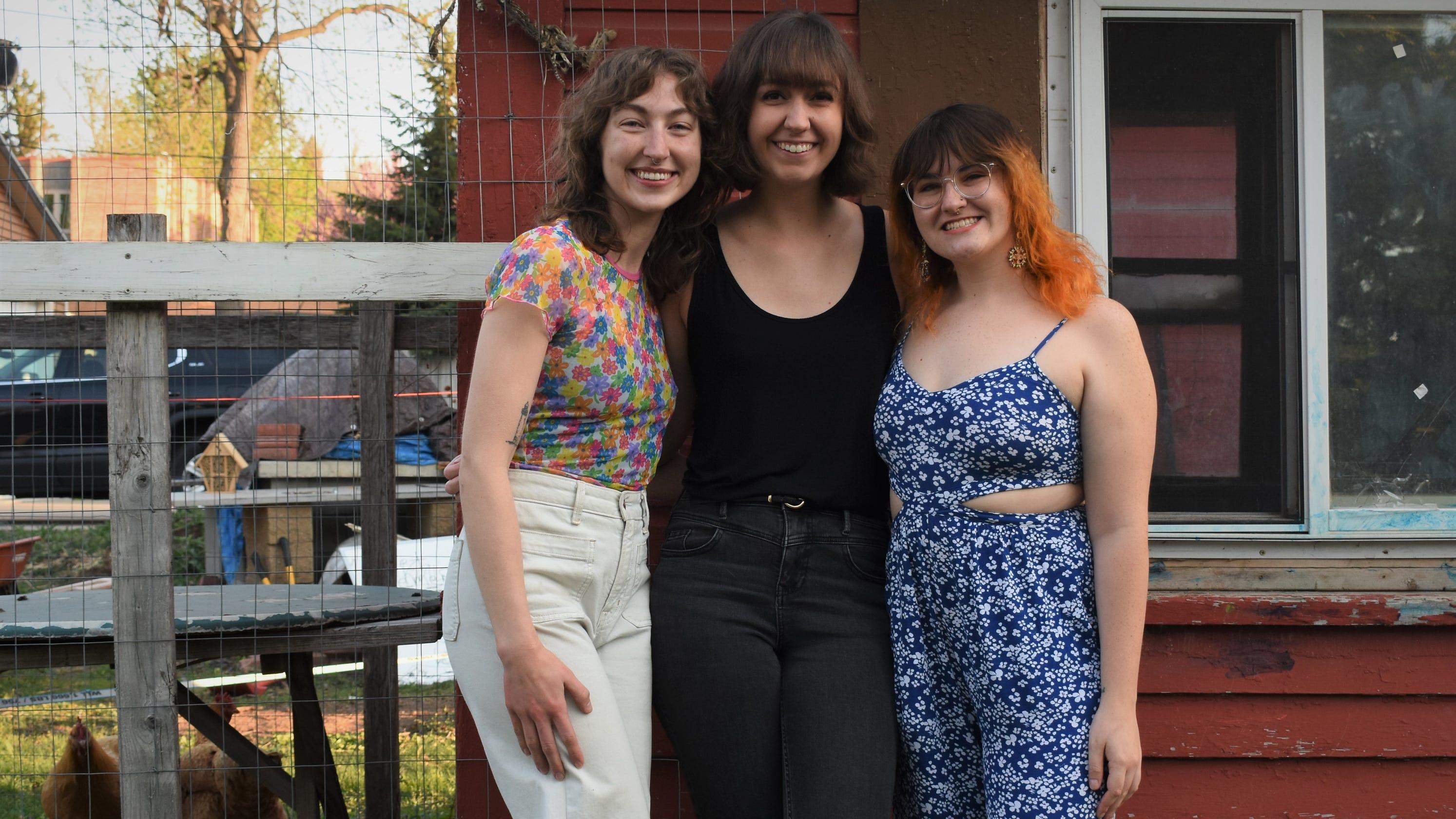 'Backartigans' make it easy to meet backyard artist friends