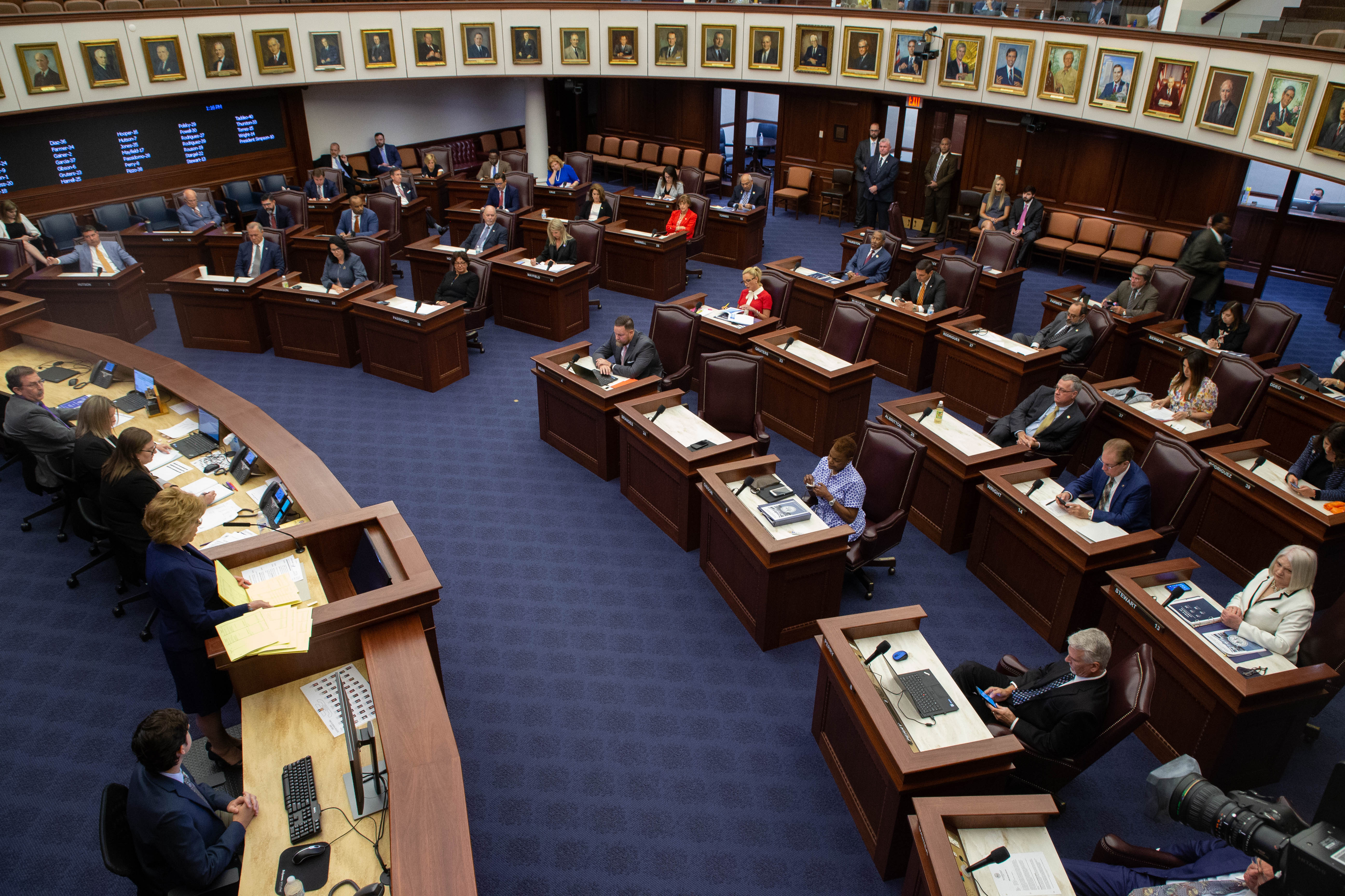 Florida lawmakers kill added mobile gambling in deal between state and Seminole Tribe 3