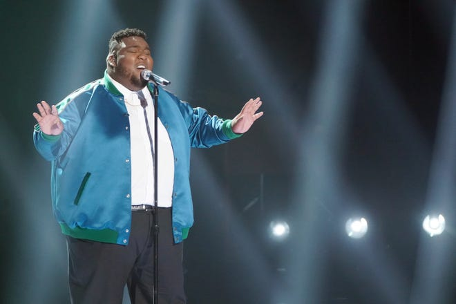 """Caretaker Willie Spence, whoFinneas said has """"one of the best voices I've ever heard,"""" gave a rousing performance of """"Glory"""" by Common andJohn Legend, Spence's personal idol."""
