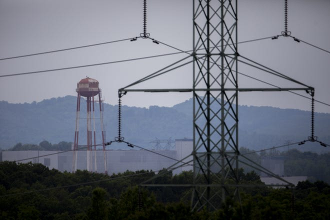 Crews began open-air demolition of the former Portsmouth Gaseous Diffusion Plant in Piketon last week, against the objections of some local residents.