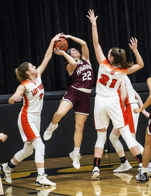 Havana's Kaity Robison (22) goes up for shot in the championship game of the 2020 Class 1A Mason City Regional girls basketball tournament.