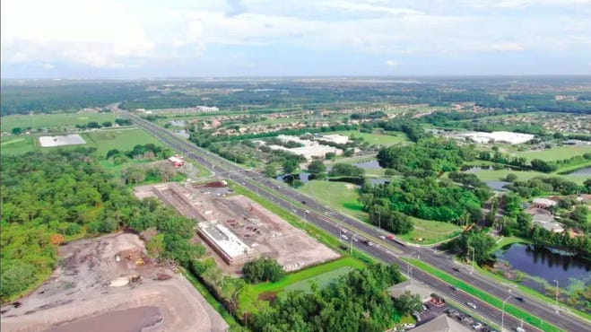 A view of State Road 64 in Manatee County from behind what is now School House Plaza. Starbucks is opening a location on the growing road at State Road 64 and Upper Manatee River Road.