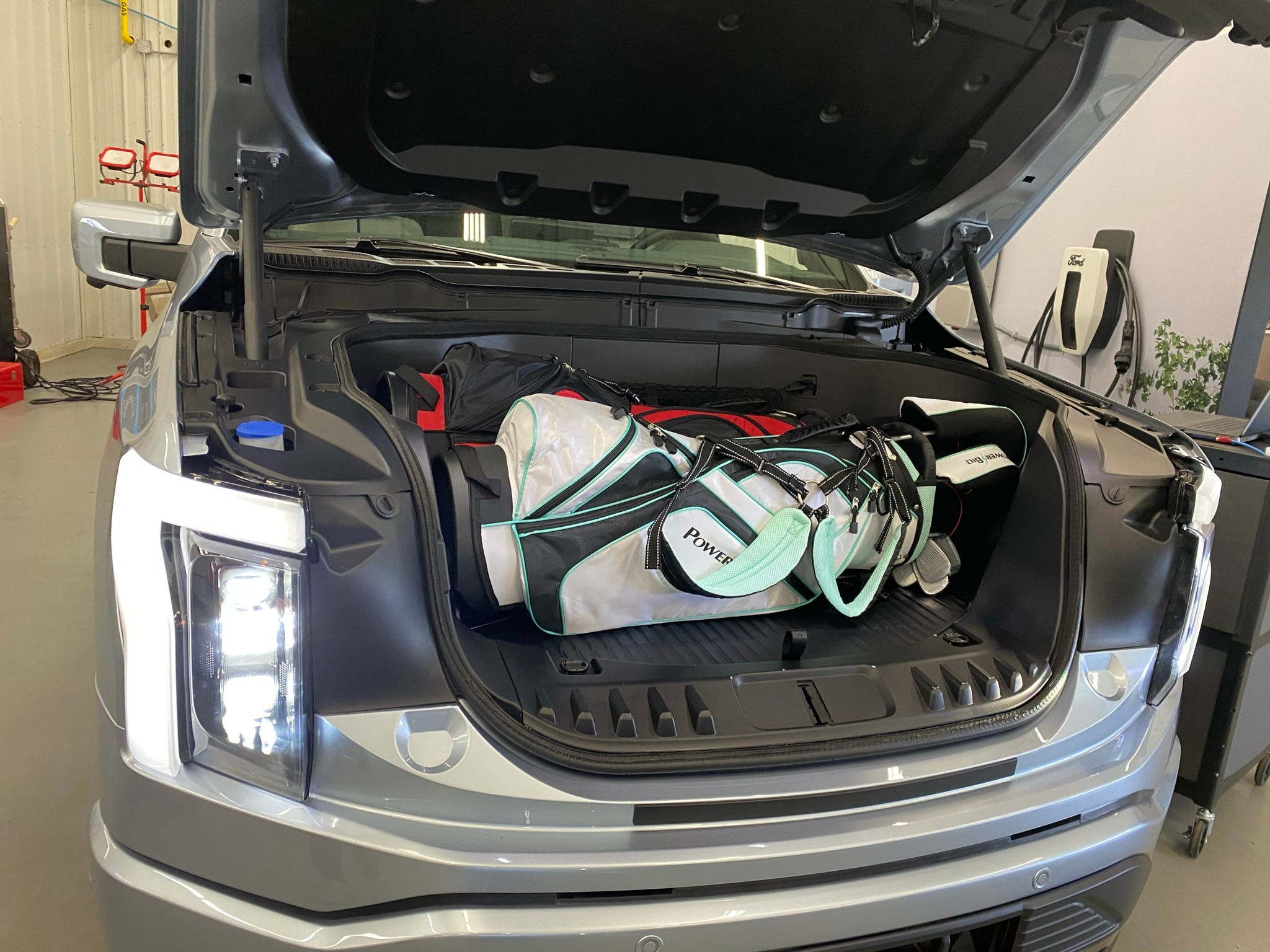 Стали известны цены и комплектации но новый фольксваген джетта для россии. 2022 Ford F 150 Lightning Heralds Ev S Entry Into Heart Of U S Market