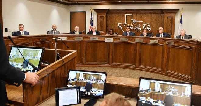 Wichita Falls city councilors face a short agenda when they meet Tuesday.
