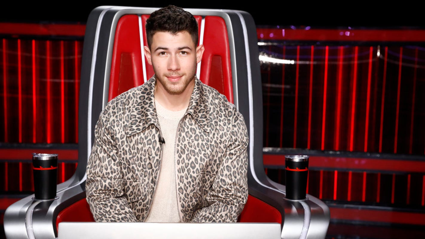 'The Voice' semifinals: Nick Jonas reveals he 'cracked rib' in bike accident; Top 9 perform