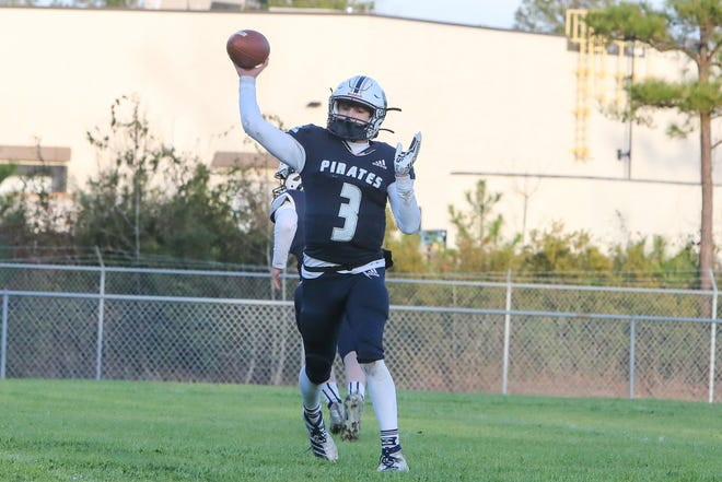 Swansboro senior Damien Flores played an all-star football game at AT&T Stadium on Monday.