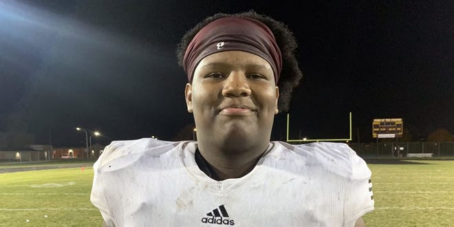 Davonte Miles, River Rouge, defensive tackle, 6-5, 275 pounds, three stars.