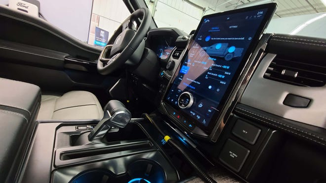 2022 Ford F-150 Lightning console is familiar to F-150 users.