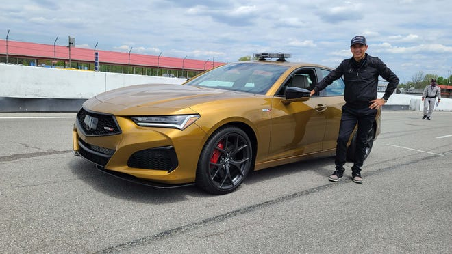 IndyCar superstar Helio Castroneves introduced the 2021 Acura TLX Type S by giving hot laps to journalists.
