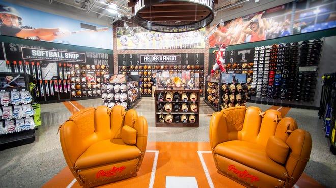 DICKS Sporting Goods Store in Alcoa, TN   760