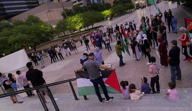 Around 75 people gathered at Legislative Plaza in Nashville for a Palestine vigil on May 18, 2021