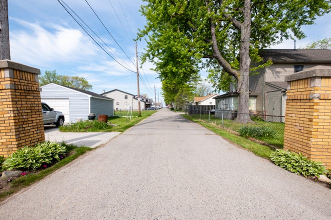 Clay Township officials are considering setting up rules for short-term or vacation rentals in the area after neighbors complained about nuisance issues from visitors staying in them. Officials have received complaints from residents who live on Inglewood Drive.