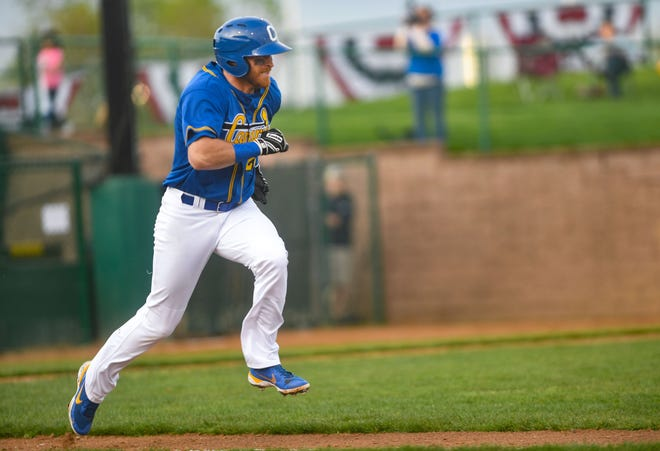 Canaries' Mike Hart runs to first base during the season opener against the Winnipeg Goldeyes on Tuesday, May 18, 2021 in Sioux Falls.