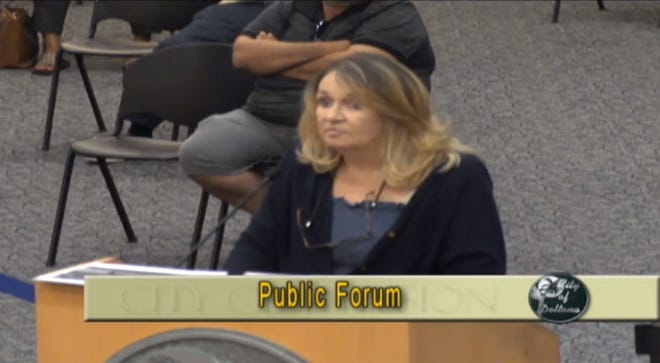 Tammy Stuck tells Deltona city commissioners a Volusia County Sheriff's deputy groped her after her leg brace set off the metal detector in City Hall. Volusia County Sheriff Mike Chitwood said the surveillance video doesn't corroborate her claim.