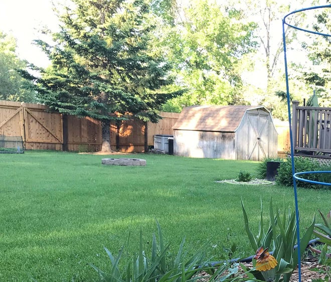 You have several options for mixing up your lawn, depending on your needs.
