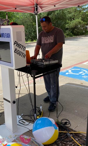 BAMM DJ and Photo Booth Services provided a deejay and photo booth when Glen Rose Medical Center honored its entire staff during National Hospital Week May 9-15.
