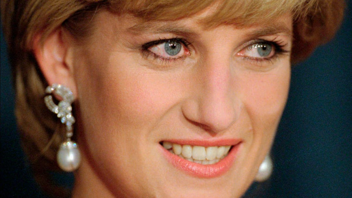 Report: BBC reporter used deceit to get 1995 Diana interview 3