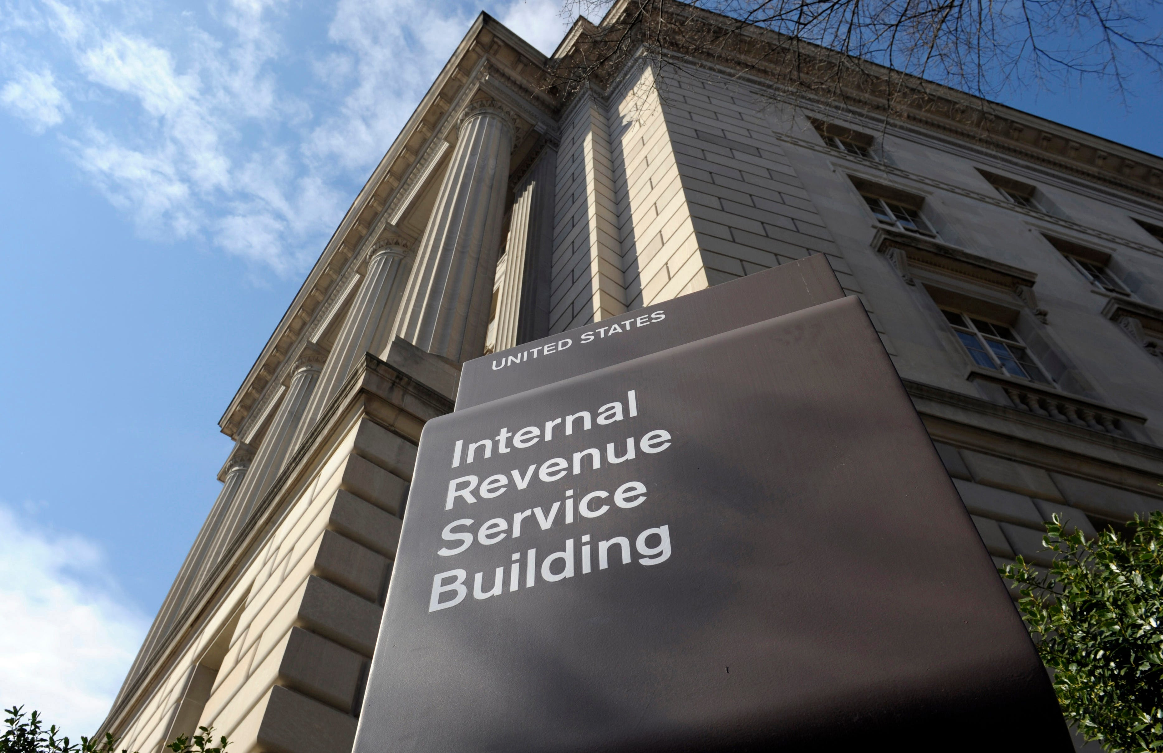 Biden's IRS crackdown proposal targets rich hiding income 2