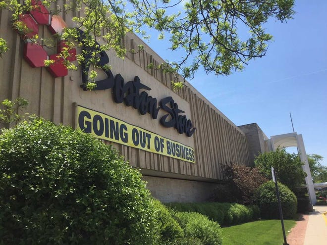 Southridge Mall's former Boston Store is being sold to Greendale for $3.3 million.