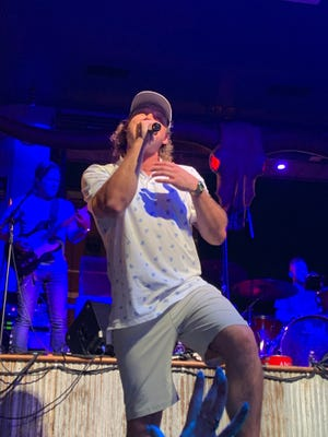 Morgan Wallen surprised a crowd at Kid Rock's honky tonk in downtown Nashville on Wednesday night.