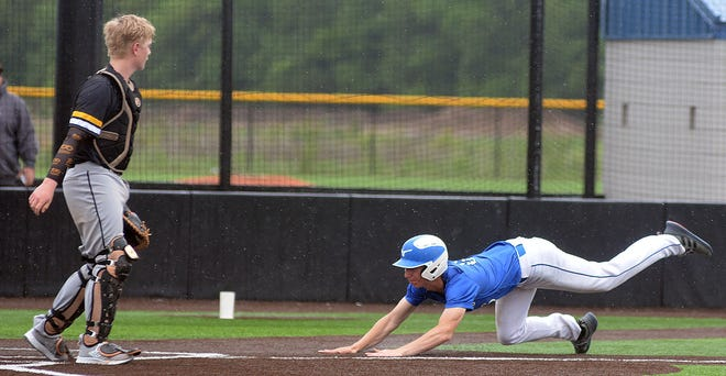 Halstead freshman Dylan McDonald scores during play Wednesday against Haven during the Class 5A regionals.