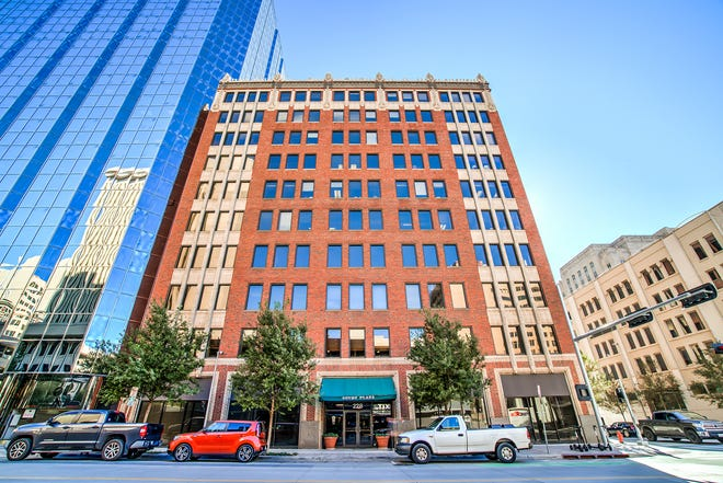 Downtown Dental PLLC renewed a lease for 2,029 square feet of space in Court Plaza, 228 Robert S. Kerr Ave., Suite 130, in a transaction by Newmark Robinson Park.