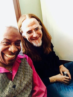 The Linden Tree Coffeehouse of Wakefield and The Ivy Chord Coffeehouse of Reading will host a live streaming concert with Reggie Harris and Pat Wictor on June 5.