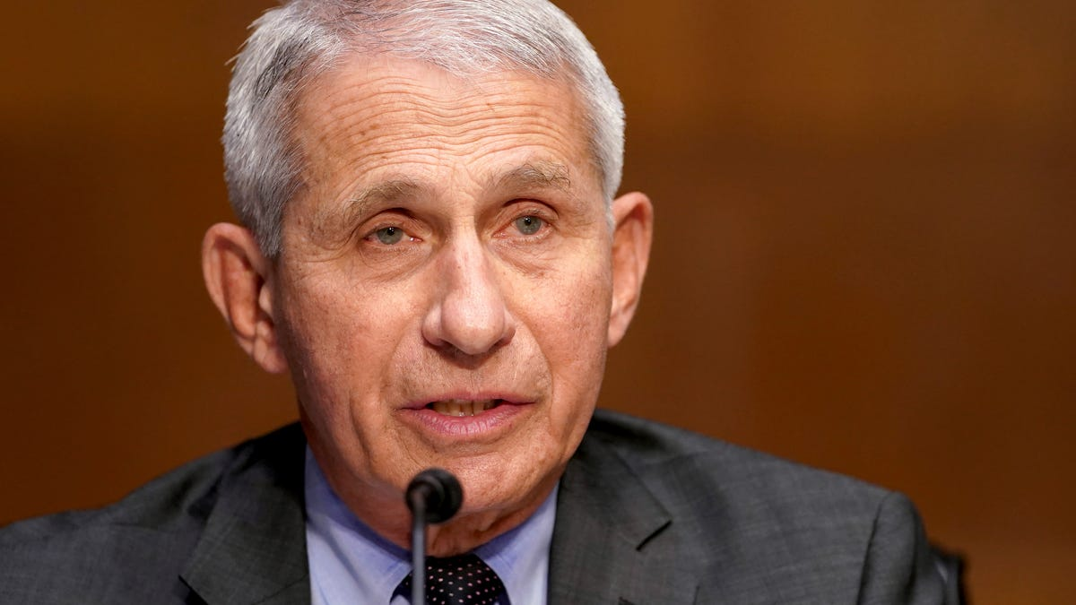 Dr. Fauci: Booster shots may depend on variants 1